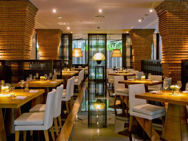 restaurant1 ایده های مهم دکوراسیون و چیدمان رستورانها