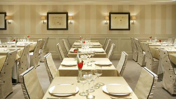 restaurant6 ایده های مهم دکوراسیون و چیدمان رستورانها