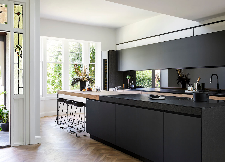 black cabinet kitchen دکوراسیون آشپزخانه